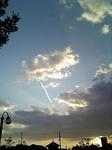 090921_少し切れてる飛行機雲.jpg